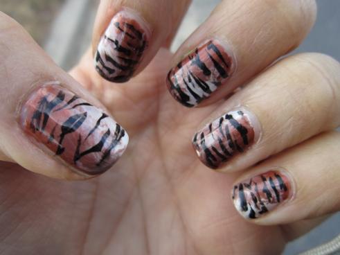 tiger striped manicure