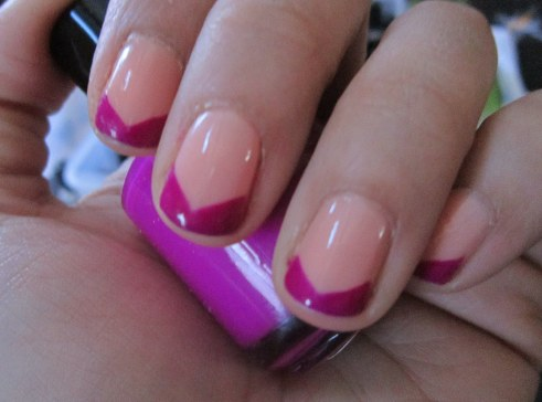 triangle tip french manicure
