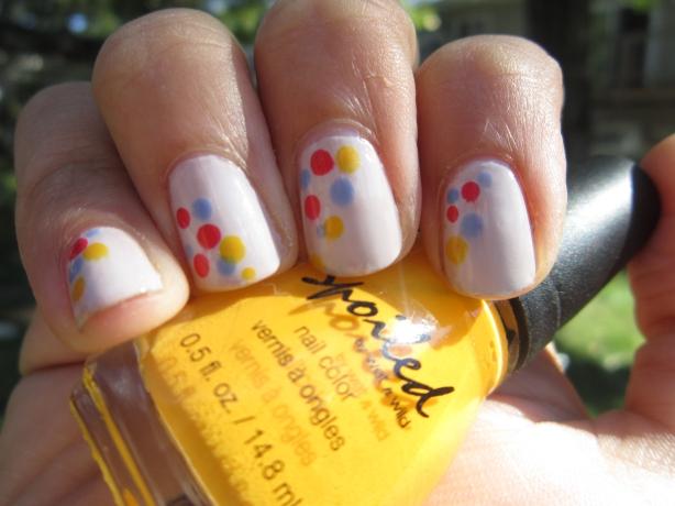 Colorful Dots Mani