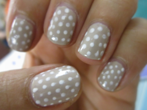 Neutral Polka Dot Mani