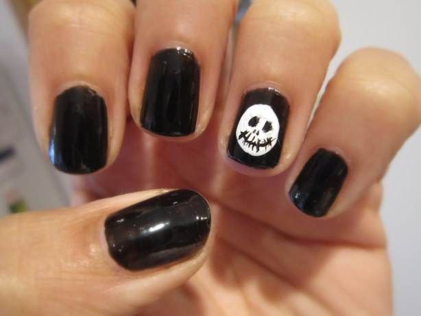 Skeleton Halloween Mani