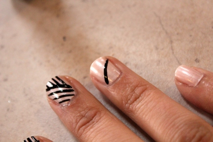 Lines and Stripes Mani How-To