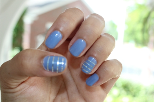 Nail Tape Striped Mani