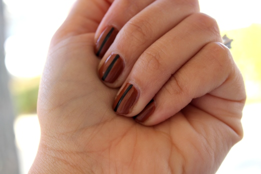 brown & black simple stripe nail art