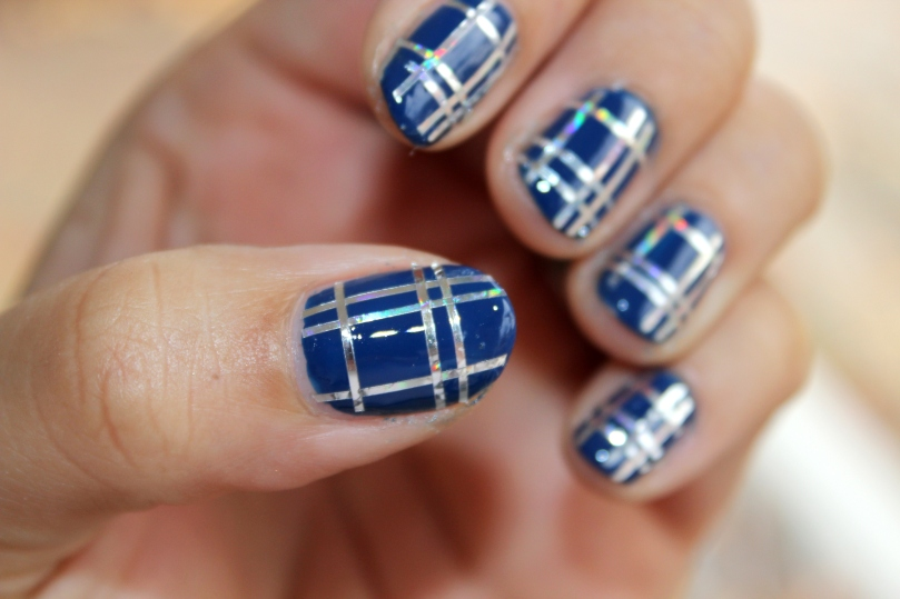 Blue and Silver Plaid Nails