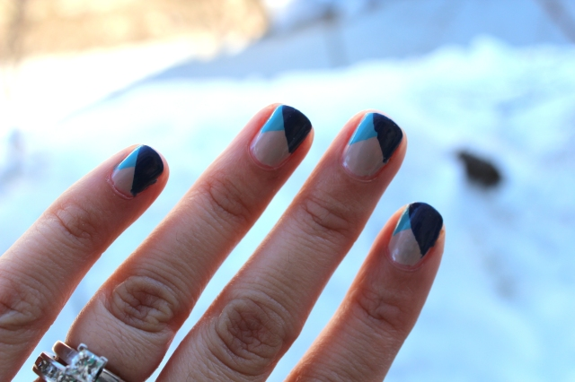 Blue Triangles Mani