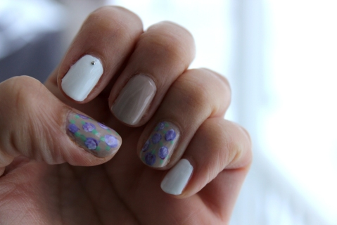 Purple Flowers Mani