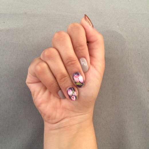 Tulip Water Decal Mani